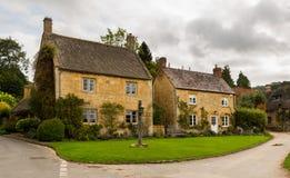 老房子在英国的Cotswold区 免版税图库摄影
