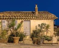 老房子的门面在中世纪村庄法国 免版税库存图片