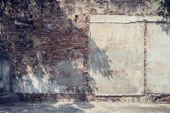 老房子的难看的东西墙壁 免版税库存照片