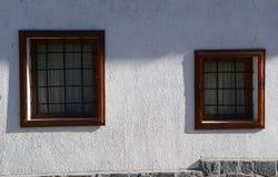 老房子窗口在班斯科, 2015年2月17日的保加利亚 库存照片