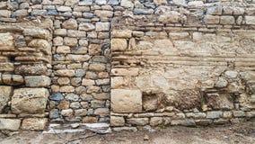 老房子自然石墙  免版税库存图片