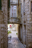 老房屋建设在赫瓦尔岛海岛,克罗地亚老镇  库存照片
