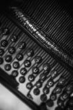 老手工打字机机器键盘 图库摄影