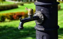 老手水泵 免版税库存照片