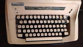 老打字机,老对象细节,乡情,老桌面工具 免版税库存照片