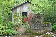 老打破的Gristmill 免版税库存照片