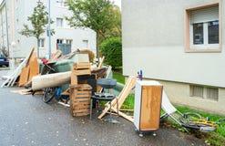 老打破的家具 免版税库存图片
