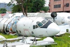老打破的飞机 免版税库存照片