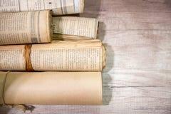 老报纸卷轴 免版税图库摄影