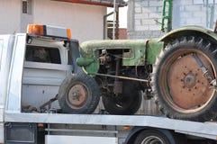老拖拉机运输 免版税库存照片