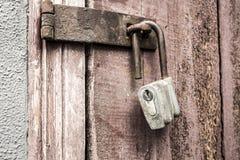 老挂锁 免版税库存照片