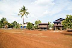 老挝人在咖啡附近的村庄生活种植了Bolaven高原,巴色,老挝 免版税库存图片