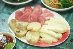 老挝人钮Bo猪血液猪肺蛋糕商店 免版税图库摄影