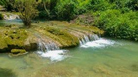 老挝琅勃拉邦Nahm东公园瀑布 免版税图库摄影