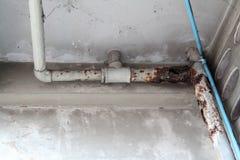 老排水管 免版税库存照片