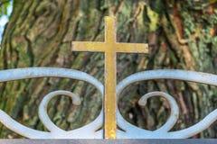 老教会十字架 免版税库存照片