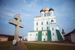 老教会在普斯克夫克里姆林宫 库存图片