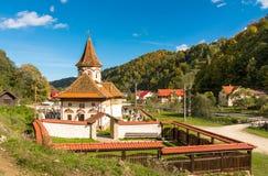 老教会在西蒙vilage,禁令Moeciu,罗马尼亚 库存图片