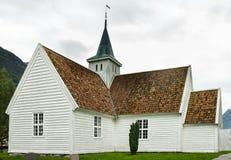 教会在从前的村庄,挪威 库存照片