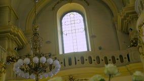 老教会座位内部移动式摄影车  影视素材