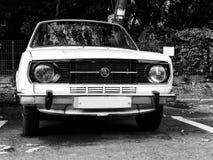 老斯柯达汽车 免版税库存照片