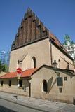老新的犹太教堂在布拉格,捷克 免版税库存照片