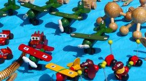 老时尚五颜六色的墨西哥玩具 免版税库存图片