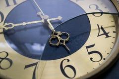 老时钟。 免版税库存图片