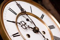 老时钟。 库存图片