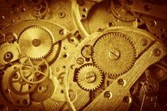 老时钟机制特写镜头与齿轮的 免版税库存图片