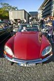 老朋友在OldtimerCity的雪铁龙DS 2011年在法兰克福 免版税库存照片