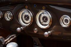 老朋友的仪表板的福特模型A 库存照片