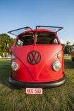 老朋友VW公车运送 库存照片