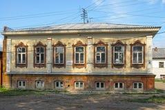 老木住宅房子 秋明州,俄罗斯 库存照片