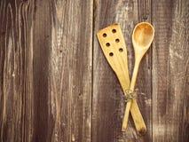 老木厨房工具 免版税图库摄影