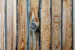 老木墙壁纹理或背景与拷贝空间 上在天空的一个孔 图库摄影