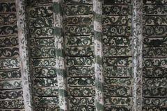 老木头被绘的天花板 免版税库存图片