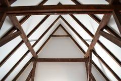 老木屋顶建筑 免版税图库摄影