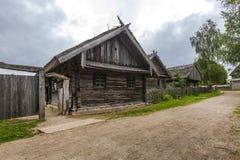 老木房子在印刷品的欧洲 库存照片