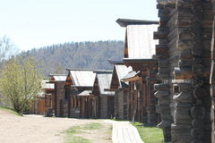 老木房子在森林 俄国 库存照片