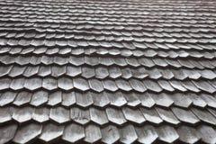 老木木瓦屋顶 免版税图库摄影