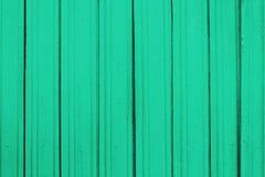 老木板条纹理与削皮油漆的 免版税库存照片