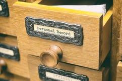 老木档案库文件目录抽屉,个人纪录 免版税图库摄影