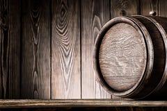 老木桶的片段 免版税库存照片