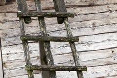 老木楼梯 免版税库存图片