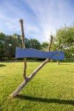 老木腐朽的空的标志 免版税库存照片