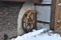 老木轮子 库存照片