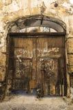 老木门在巴勒莫在西西里岛,意大利 免版税库存图片
