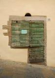 老木门在托斯卡纳 免版税库存照片