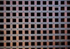 老木闭合的织地不很细门 免版税图库摄影
